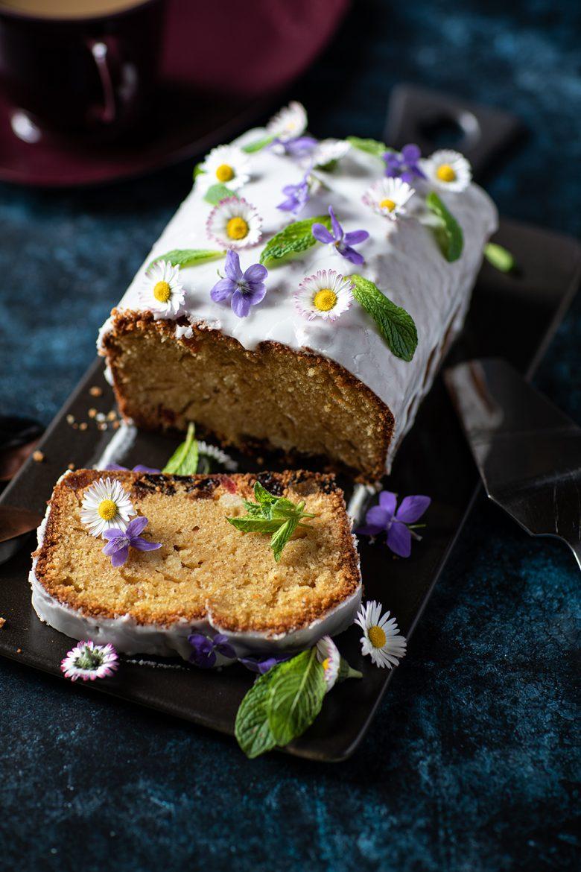 Recette de cake au rhum et aux raisins sur une base de gâteau au yaourt
