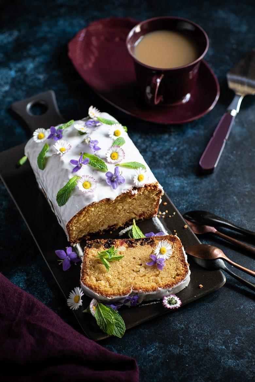 La recette de base du gâteau au yaourt ou cake au yaourt en mesure de pots de yaourts