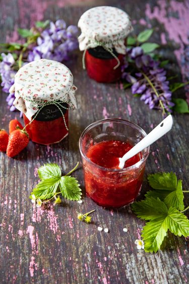 Ma recette de confiture de fraises à la rhubarbe peu sucrée
