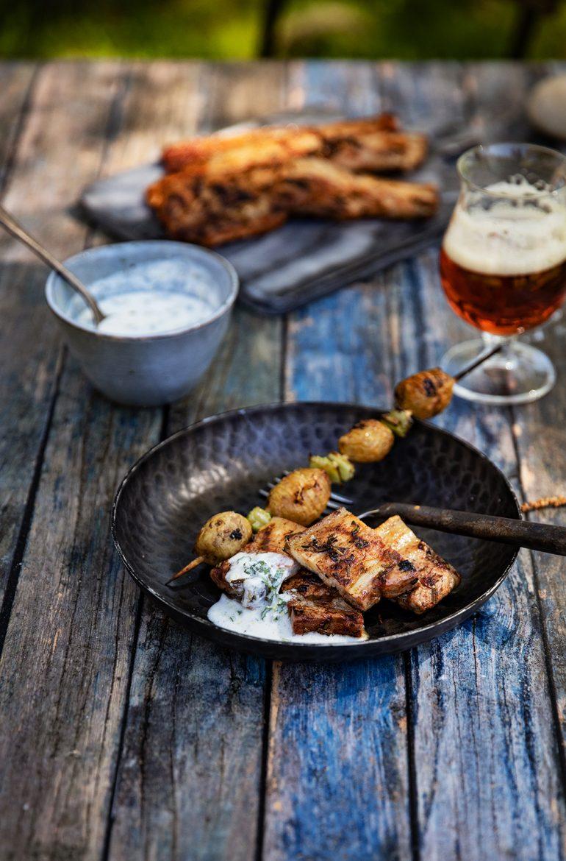 Poitrine de porc à la grecque, bière ambré Dulcinel