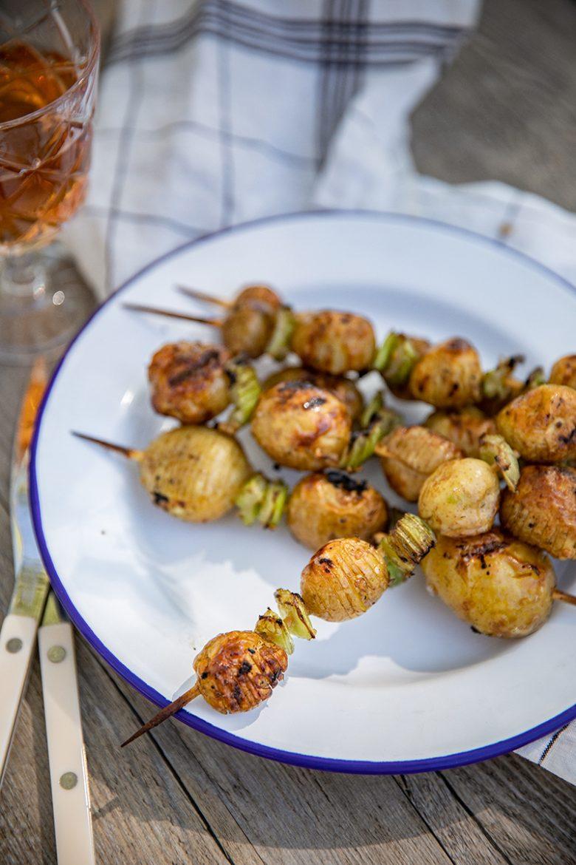 Pommes de terre cuites au barbecue, recette de brochettes de pommes de terre suédoises au bbq