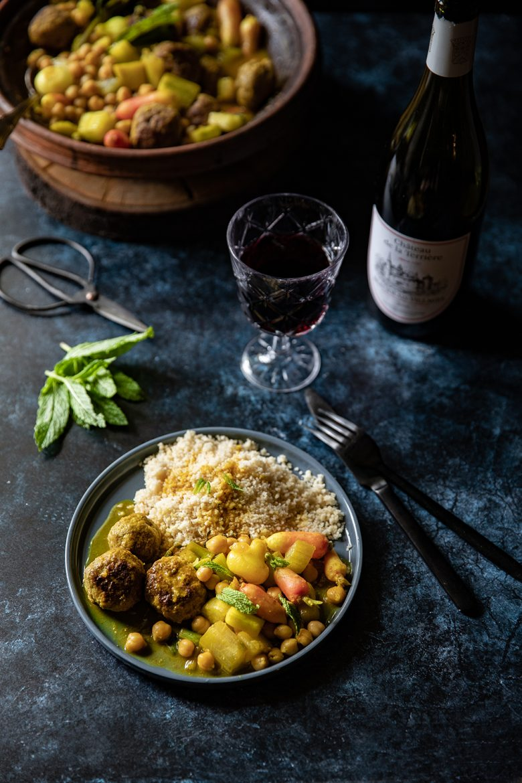 Ma recette de tajine au concombre, radis rose et boulettes marocaines