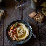 Ma recette du meilleur houmous du monde avec sa salade fattouche de poivrons