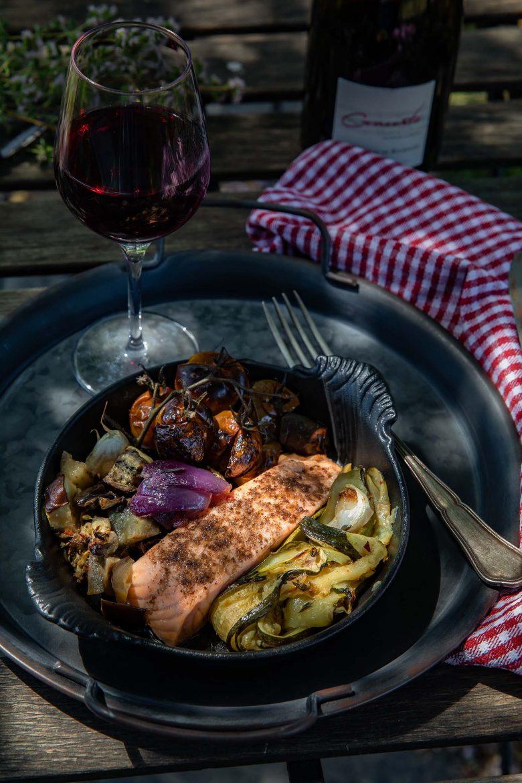 Vin rouge Saint Nicolas de Bourgueil Concerto du domaine de la Jarnoterie et légumes confits et saumon au sumac, ma recette