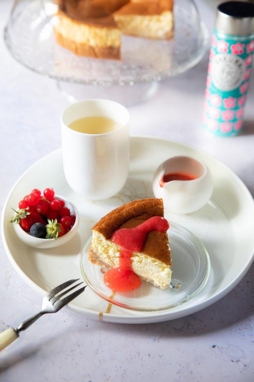 Ma recette légère et sans sucre du New York Cheesecake au coulis de fraises