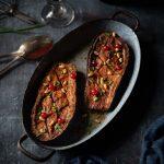 Recette vegan d'aubergines caramélisées au four avec une sauce miso