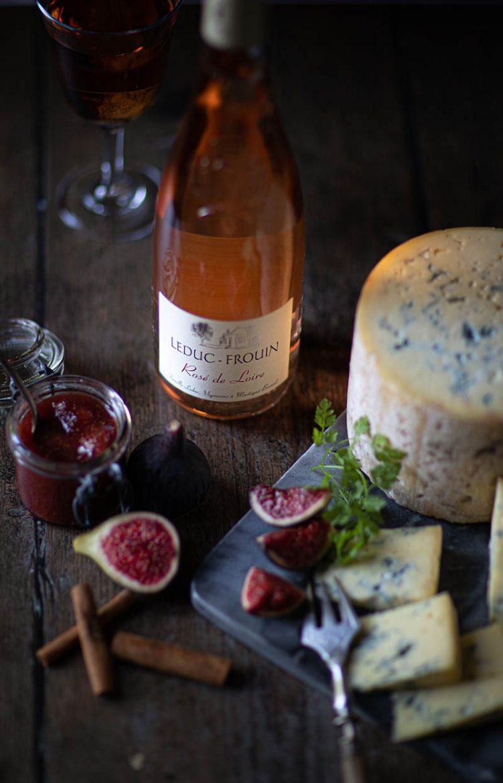 Rosé de Loire du domaine Leduc Frouin, figues et fromage fourme de Montbrisson