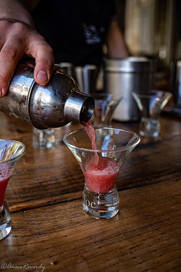 Le cocktail Gascon à base de Floc rouge au Loft Café à Eauze.