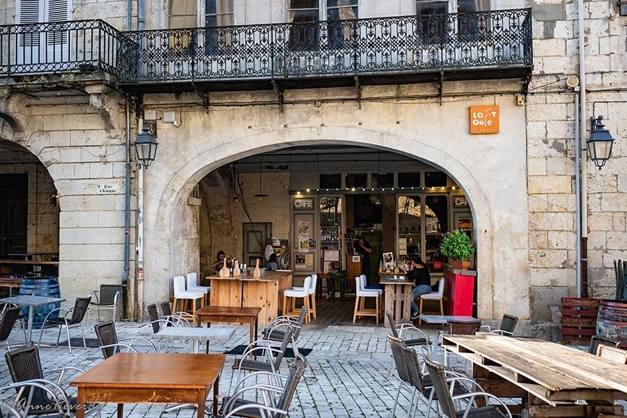 Le Loft Café à Eauze sur la Place de l'Armagnac