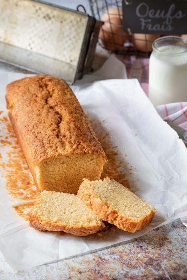 La recette du gâteau au yaourt ultra moelleux à la vanille