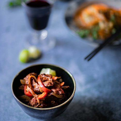 Ma recette de boeuf sauté à la chinoise, aux poivrons et aux oignons
