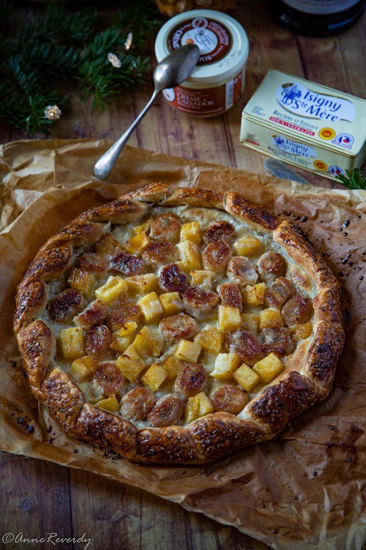 Tarte à la banane et à l'ananas, crème au calvados et pâte feuilletée rustique