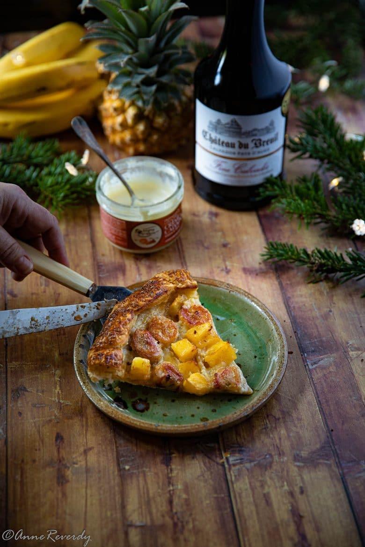 Ma recette de tarte rustique à la banane, à l'ananas et à la crème fraîche au calvados