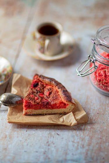 Recette de tarte briochée à la praline rose et aux framboises