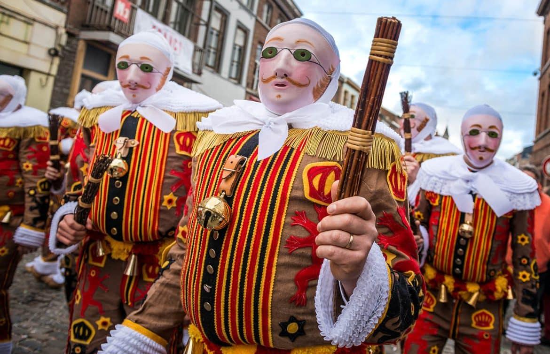 Défilé de Gilles lors de carnaval en Belgique