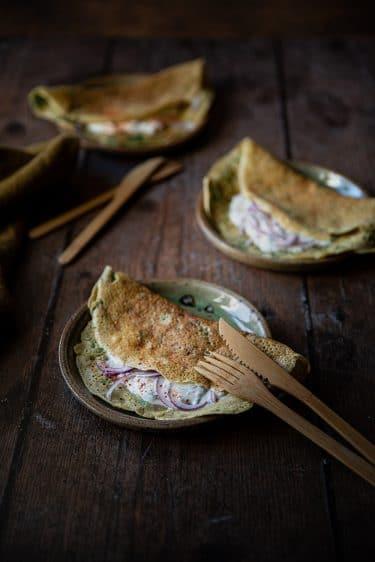 Recette de galettes de pois chiche aux épinards et sauce au yaourt