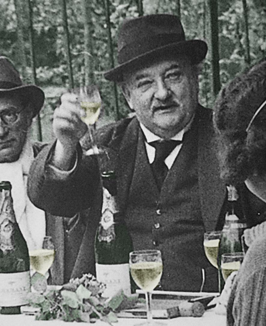 Maurice Edmond Sailland, dit Curnonsky, promoteur de la Tarte Tatin