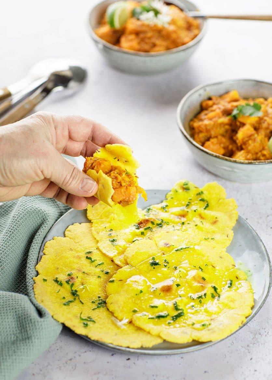 Recette de makki ki roti pour manger avec un dal de lentilles corail et patates douces