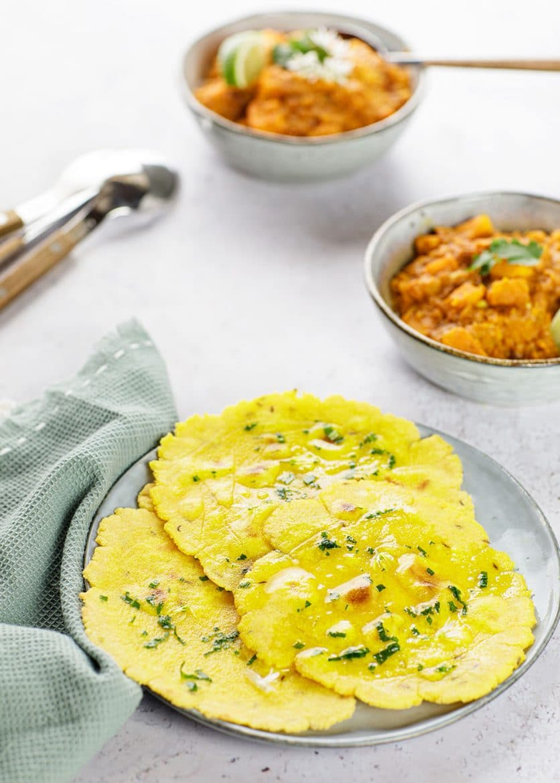 Recette de pains plats indiens grillés à la poêle ou makki ki roti