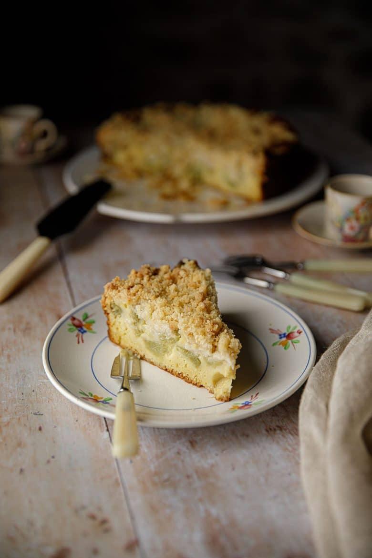 Streusel à la rhubarbe ou crumb cake ou gâteau miette
