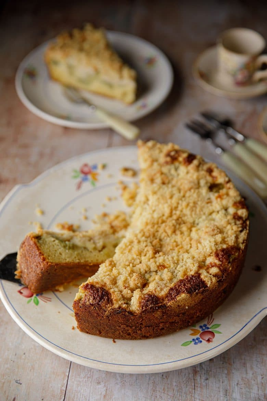 Gâteau streusel à la rhubarbe ou streuselkuchen