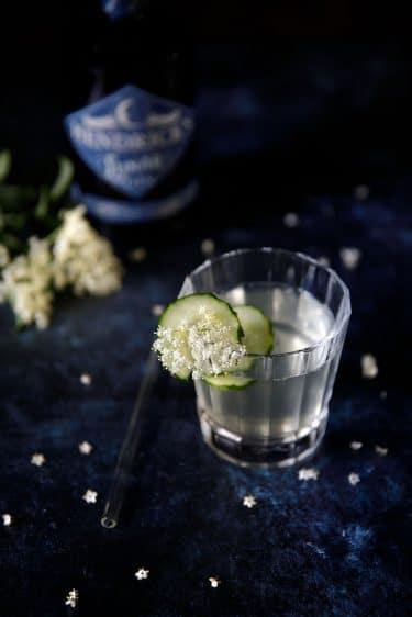 Recette de cocktail de gin, sureau et concombre avec le gin Lunar de Hendrick's