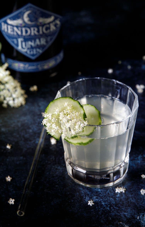 Recette de cocktail au gin Lunar Hendrick's, sureau et concombre