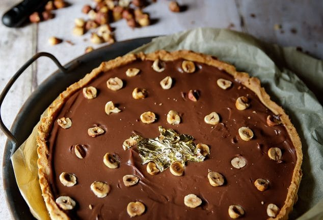 Recette de tarte au chocolat et aux noisettes