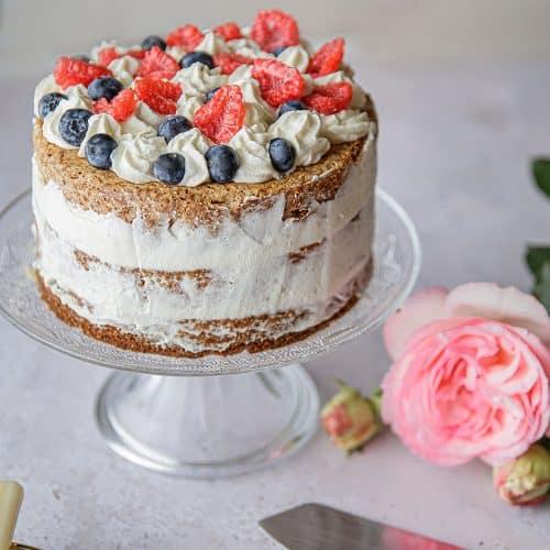 Ma recette de gâteau aux fruits rouges, à la cream cheese, en layer cake