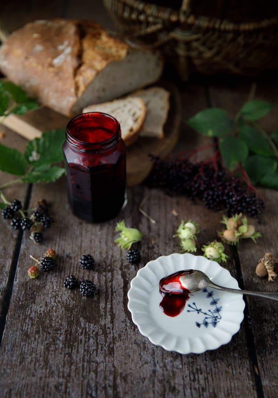 Ma recette de gelée de mûres sauvages et sureau noir