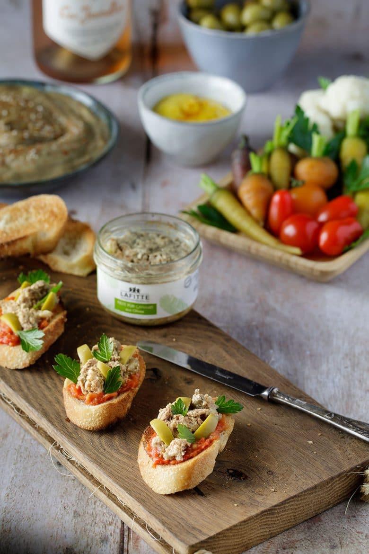 Recette de tartines de pâté de canard aux olives vertes