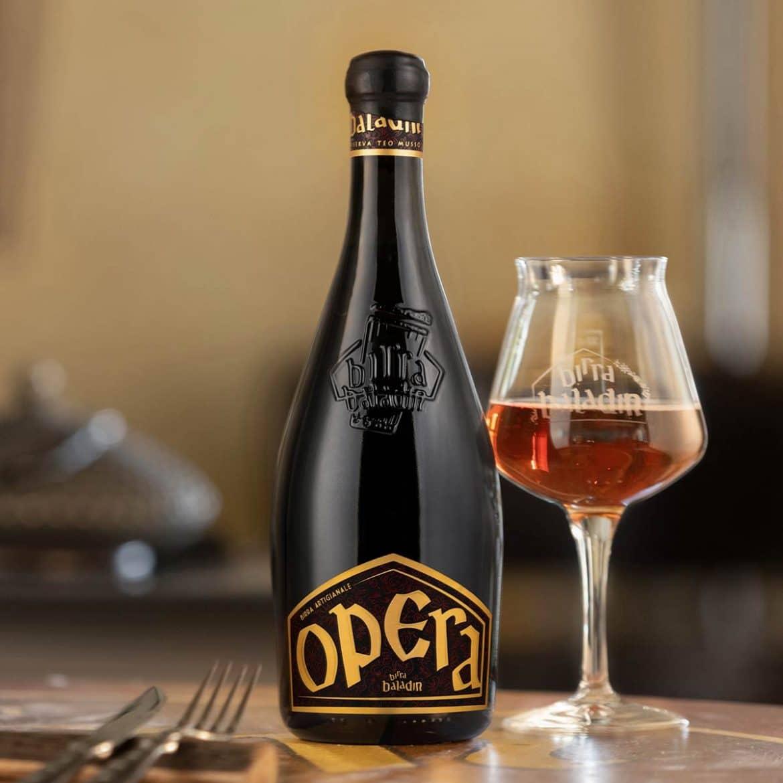 La bière italienne au vinaigre de malt vieilli en fûts de chêne, la Birra Opera, Brasserie Birra Baladin de Teo Musso