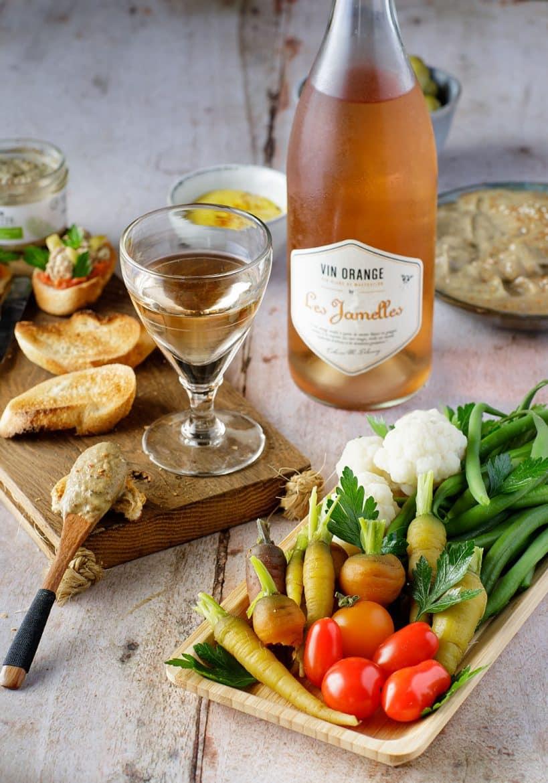 Apéritif avec le Vin Orange Les Jamelles